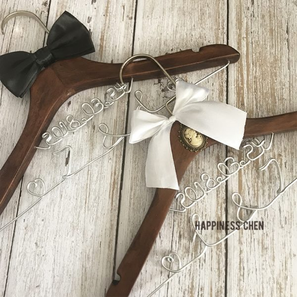 Wedding hangers 婚礼衣架定制 婚纱衣架 复古实木衣架
